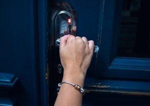 Cerrajeros Telde Locksmiths in Vecindario Reparar o cambiar a tiempo las cerraduras para mantener la seguridad