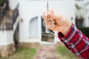 Casa nueva, casa, propiedad e inquilino es el momento de cambiar el bombin y llave